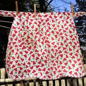 VTG Red Pear w/ Heart Leaves Half Hostess Apron